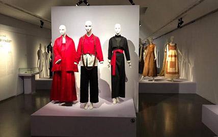 Exposition L'Etoffe des Rêves de Lee Young-Hee au Musée National des Arts Asiatiques Guimet à Paris